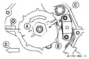 Поверните коленвал против часовой стрелки, совместив метки как показано на рисунке